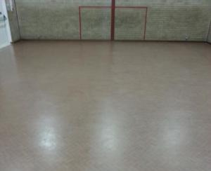cleaning and polishing of sports non slip surfaces